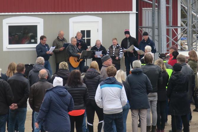 Invigning med sång av Bälmanskören